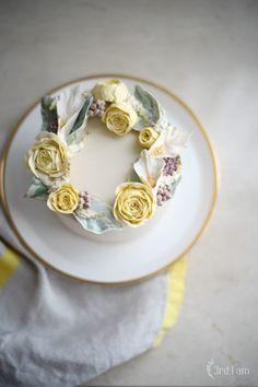 3rd I am weekly cake 작약,아스틸베,카라. 우아한 꽃 작약과아스틸베와 카라.맑고 부드러운 컬러의 케이...