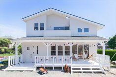憧れの西海岸スタイルの家|Select工房|365LIFE DESIGN STUDIO Previous Future House, My House, American Houses, California Style, Ideal Home, Facade, Beautiful Homes, New Homes, Home And Garden