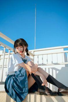 School Girl Japan, Japanese School Uniform Girl, Japan Girl, Girls In School Uniform, Female Pose Reference, Pose Reference Photo, Beautiful Japanese Girl, Beautiful Asian Girls, Cute Asian Girls