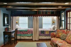 Colorful & Cozy: Gosherd Valley Cottage in Missouri - Hooked on Houses