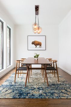 Create the look: Mid-Century Dining Room Shopping Guide - Elevate Your Mid-Century Modern Interior Dining Room Inspiration, Interior Inspiration, Dining Room Design, Dining Area, Dining Room Rugs, Dining Chairs, Carpet Dining Room, Large Dining Room Table, Dining Room Wall Art