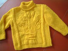 J'ai utilisé de la laine trouvée chez Lidl, sur la bande il est noté &le fil pour tricoter vite&, c'est du 100% acrylique, 205 mètres pour 50 grammes. Dos avec des aiguilles du 3.5, monter 86 mailles, tricoter 4 cm de côtes 1/1, pour moi, ça faisait 12...