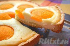 Творожный пирог с персиками 24-26 форма Czech Desserts, Cookie Desserts, Czech Recipes, Sweet Cakes, Desert Recipes, Coffee Cake, No Bake Cake, Sweet Recipes, Baking Recipes