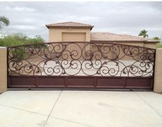 My most favorite driveway gate from Colletti Design out of Arizona. I would love to have this!