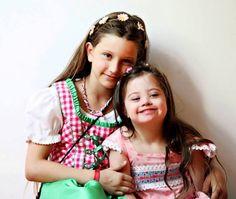 Jolinas Welt: Jolina und Louisa - neue Fotos von Jenny Klestil - Glück kennt keine Behinderung, #DownSyndrome #T21 #downsyndrom