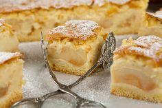 Szarlotka Eweliny z budyniem Polish Desserts, Polish Recipes, No Bake Desserts, Dessert Recipes, Polish Food, Pear Recipes, Sweet Recipes, Baking Recipes, Cake Bars