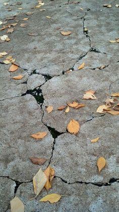 Crackle fall walk