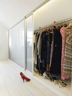 Closet space is never enough, this is why we decided to show you some ideas of what a good attic closet design could look like. Attic Closet, Closet Bedroom, Closet Space, Walk In Closet, Attic Wardrobe, Attic Office, Closet Doors, Closet Bar, Attic Library