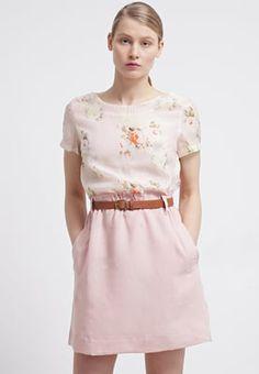 Robes chemise Molly Bracken Robe chemise - rose rose: 52,00 € chez Zalando (au 24/05/16). Livraison et retours gratuits et service client gratuit au 0800 740 357.