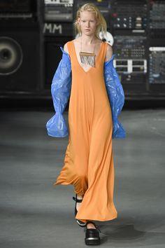 MM6 Maison Margiela Spring 2016 Ready-to-Wear Fashion Show