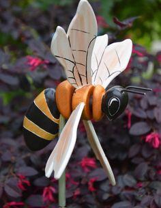 Bee On Flower, Flower Pots, Flowers, Wind Spinners, Flower Ornaments, Bicycle Art, Wooden Bird, Bee Design, Yard Art