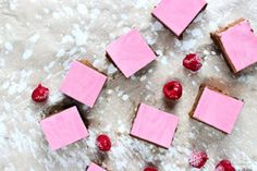 Brownies s malinovou penou - The Story of a Cake Food Styling, Mousse, Brownies, Raspberry, Gift Wrapping, Blog, Food And Drinks, Paper Wrapping, Wrapping Gifts