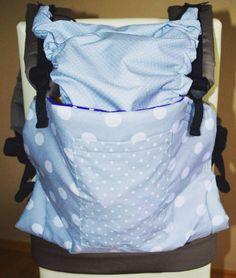 Handsew baby carrier # bimbibabycarrier #babywearing #dots instagram @bimbibabycarrier www.facebook.com/bimbibabycarrier