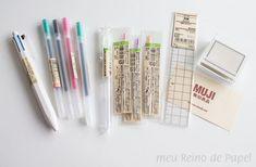 muji gel pens, multi pen and stamp Más Stationery Pens, School Stationery, Stationary School, School Motivation, Study Motivation, Estilo Muji, Muji Stationary, Stationary Supplies, Muji Pens