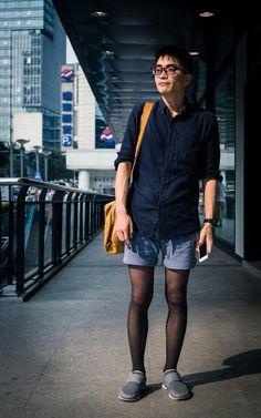 Male public pantyhose wearers