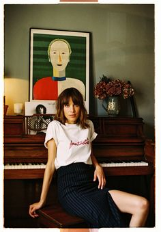 Alexa Chung Third Collection Fantastic Shop Now Alexa Chung Style, Alexa Chung Hair, Alexa Chung Fringe, Fashion Line, New Fashion, Fashion Models, Style Blogger, Vogue, Poses