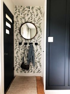 Hallway Ideas Entrance Narrow, Modern Hallway, Narrow Entryway, Br House, Flur Design, Decoration Entree, Home Wallpaper, Hallway Wallpaper, Wallpaper Designs