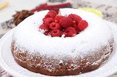 Coconut bundt cake with raspberries and pomegranate seeds - Cityline Just Desserts, Dessert Recipes, Cake Recipes, Cupcake Cakes, Bundt Cakes, Cupcakes, Banana Breakfast Cookie, Chocolate Torte, Vegan Meatballs