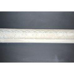 Stuk: Bladgesims støbt i gips. Mål loft 7,5 cm  væg 7 cm. Vare   Nr. 508. Pris pr. løbende meter.