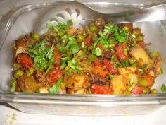 Mixed Vegetables, Veggies, Reduce Bloating, Veggie Stir Fry, Green Peas, Vegetable Dishes, Indian Food Recipes, Fries, Menu