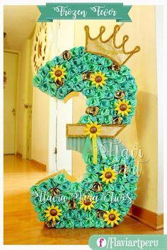 Sunflower Birthday Parties, Baby Girl Birthday Theme, Sunflower Party, Disney Frozen Birthday, 3rd Birthday Parties, Frozen Disney, Frozen Fever Cake, Festa Frozen Fever, Frozen Birthday Decorations