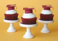 Graduation Cupcakes {and How To Make Fondant Graduation Caps} » Glorious Treats