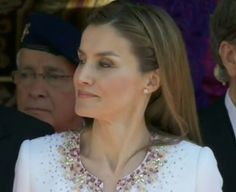 Todo sobre el look de Letizia, en su primer acto como reina de España, ya en ModaesModa.es