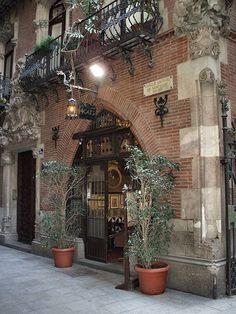Els 4 Gats, legendary cafè, meeting point of modernist artists