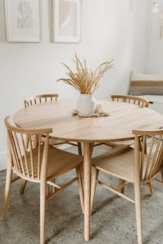 The solid wood of the Seno has been transformed into the quintessential round dining table to invite friends and family to sit at. American White Oak construction makes for an inviting environment. Dining Room Design, Dining Room Table, Round Wood Dining Table, Small Dining Table Apartment, White Dining Table, Small Dining Rooms, White Round Kitchen Table, Round Dining Set, Solid Wood Dining Set