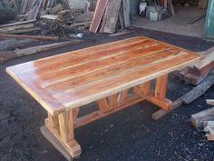mesa de madera de quebracho colorado rustica de durmientes
