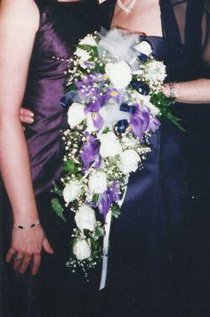 cascada en tonos blancos y lilas