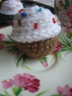 NyanPon.com: Mini Birthday Cupcakes