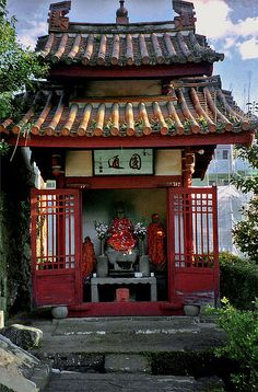 Jizo at the Gate of Sofukuji. It is dedicated to the Obaku school of Japanese Zen Buddhism.(Nagasaki Japan) by musicmuse_ca, via Flickr