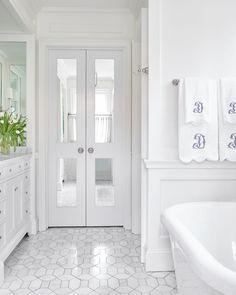 Bathroom inspiration white bathrooms bathroom design ideas b Bathroom Bath, Bathroom Doors, Bathroom Layout, Bathroom Interior Design, Bathroom Flooring, Bathroom Fixtures, Small Bathroom, Paint Bathroom, Bath Room