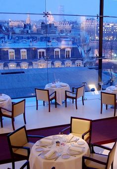La Maison Blanche restaurant, Paris