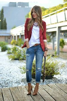 boyfrind jeans with blazer and pumps