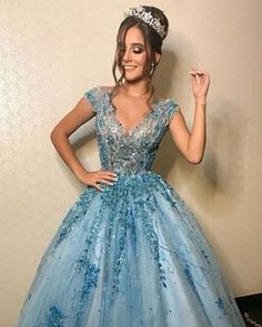 Blue debutante dress: inspirations to dream of yours! Xv Dresses, Prom Dresses, Formal Dresses, Wedding Dresses, Pretty Dresses, Beautiful Dresses, Quinceanera Dresses, Dream Dress, Ball Gowns