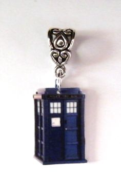 Dr Who Tardis Necklace Charm