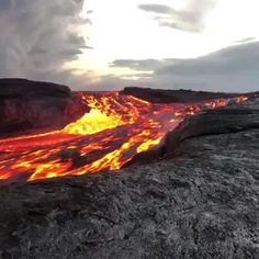 Science Discover Lava - S Su - Nature travel Dame Nature Nature Gif Science And Nature Nature Videos Lava Flow Beautiful Places To Travel Natural Phenomena Natural Disasters Insta Photo Beautiful Nature Scenes, Amazing Nature, Beautiful Landscapes, Beautiful World, Beautiful Places, Nature Gif, Science And Nature, Nature Videos, Natural Phenomena