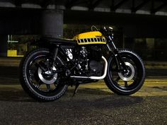 Yamaha XS400 (via Speedjunkies.gr)
