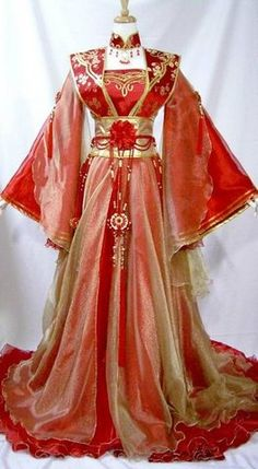 bourgogne uploaded this image to 'chinese sparklies'. See the album on Photobucket. Traditional Fashion, Traditional Dresses, Chinese Dress Traditional, Kimono Fashion, Fashion Dresses, Mode Kimono, Fantasy Gowns, Medieval Dress, Chinese Clothing