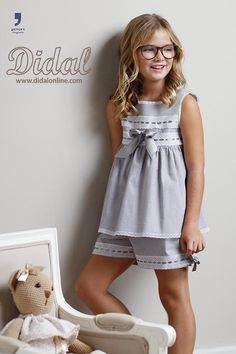 Comuniones Dresses Kids Girl, Little Girl Outfits, Kids Outfits, Preteen Girls Fashion, Kids Fashion, Pritty Girls, Kids Gown, Girls Pajamas, Baby Dress
