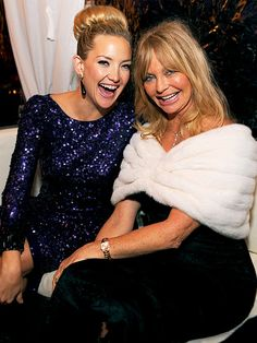 Kate Hudson with her mom Goldie Hawn