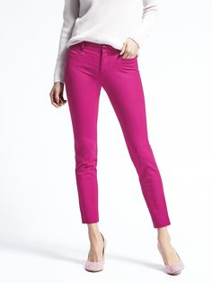 e96fc13e6 Find the perfect pair of women's pants at Banana Republic. Whether you're  looking for a slim fit or a high-rise legging fit, we have the right fit  for you.
