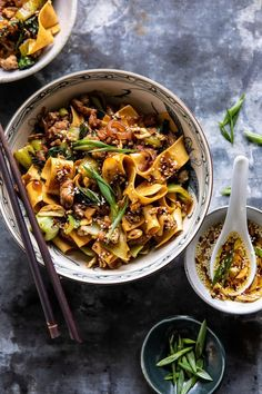 Better Than Takeout Szechuan Noodles with Sesame Chili Oil. Better Than Takeout Szechuan Noodles wit Healthy Recipes, New Recipes, Cooking Recipes, Asian Food Recipes, Asian Dinner Recipes, Cooking Pork, Thai Vegetarian Recipes, Healthy Ramen, Healthy Chinese