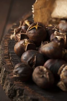 Chestnuts In France, the marron glacé, a candied chestnut involving 16 different processes in a typically French cooking style, is always served at Christmas Roasted Chestnuts, Cooking Chestnuts, Roasted Nuts, Brown Beige, Brown Shades, Tostadas, Autumn Leaves, Autumn Harvest, Earthy