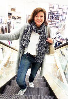Outfit der Woche! Mantel & Bluse: Marc O'Polo - Jogg Jeans: Mac - Tuch: Marc O'Polo - Tasche: Liebeskind - Gürtel: Cowboysbelt #ootw #fashion
