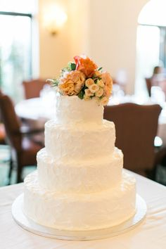 Rustic cake: http://www.stylemepretty.com/little-black-book-blog/2015/01/30/classically-elegant-avila-country-club-wedding/ | Photography: Jacqui Cole - http://jacquicole.com/
