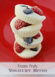 Snacks that are so YUMMY! Easy to make Frozen Fruity Yogurt Bites. Great healthy snack for that afternoon slump!Easy to make Frozen Fruity Yogurt Bites. Great healthy snack for that afternoon slump! Baby Food Recipes, Snack Recipes, Dessert Recipes, Easy Recipes, Healthy Fruit Recipes, Dessert Food, Healthy Snacks With Fruit, Frozen Yoghurt Recipes, Healthy Desserts For Kids