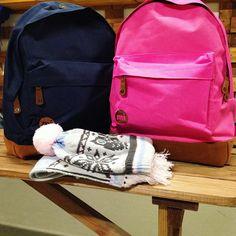 """В наличии яркие и креативные рюкзаки от британского бренда Удобная форма и неповторимый дизайн Глубина рюкзака 15 см, цена 2890 рублей✨ Ждём тебя в #goodlocal по адресу ➡️ Наб. Обводного канала, 60 """"Ткачи""""8(965) 783-39-22"""
